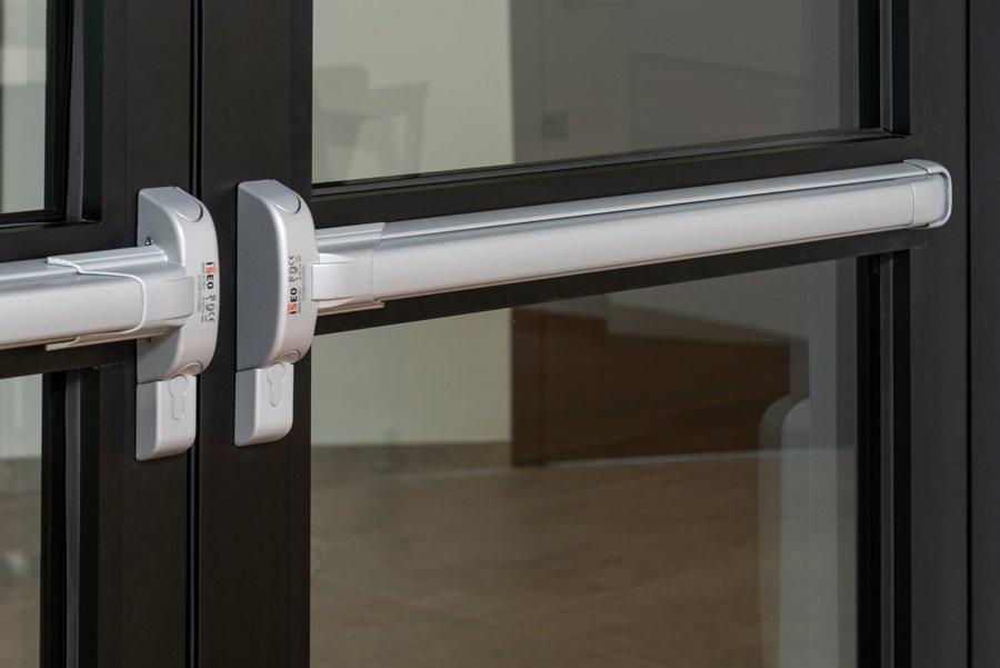 maniglione porta vetro
